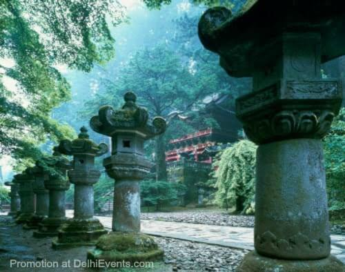 Sacred Place Japan photograph Kazuyoshi Miyoshi