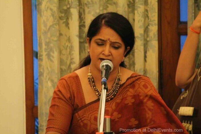 Vocalist Shweta Dubey