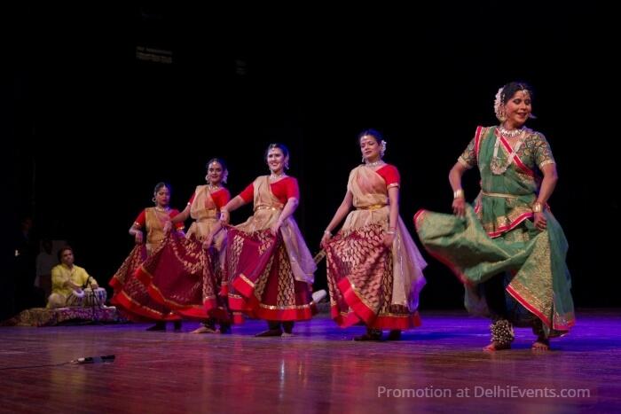 Shovana Narayan ASAVARI Dancers
