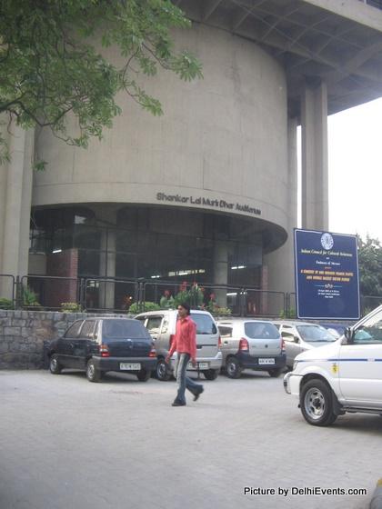 shri ram centre delhi mandi house safdar hashmi marg